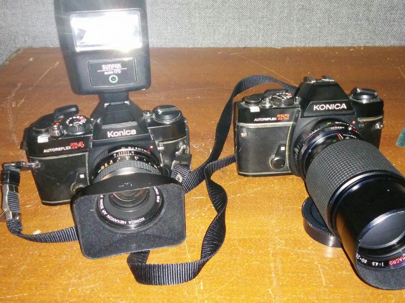 Nouveaux props : 35mm reflex Konica (période 1975 – 1990)